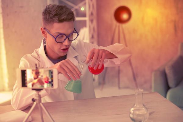 Aproveite seu tempo de estudo para realizar experimentações em casa.