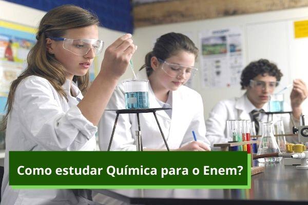 Entender o que costuma ser cobrado nas provas de Química do Enem e resolver exercícios e provas anteriores auxiliam na preparação para o exame.