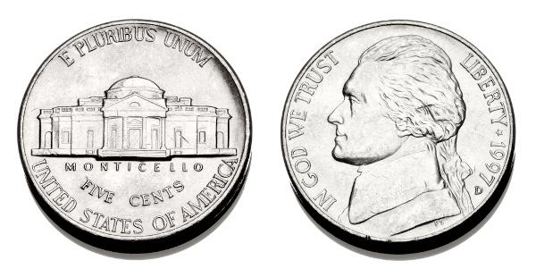 Níquel foi utilizado para cunhar moedas durante muito tempo.