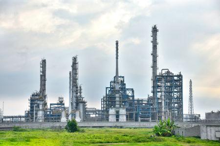 Exemplo de uma refinaria de petróleo