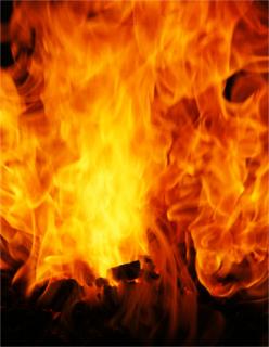 A combustão envolve a queima de algum combustível e sempre há liberação de calor