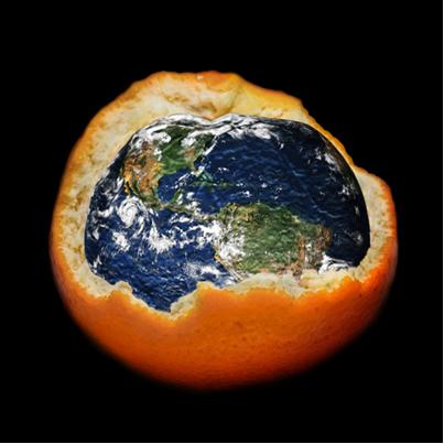 """A injeção de gases CFC na atmosfera vem degradando a camada de ozônio, causando um """"buraco"""" nela"""