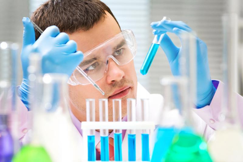 A molaridade é a medida de concentração-padrão no trabalho em laboratório