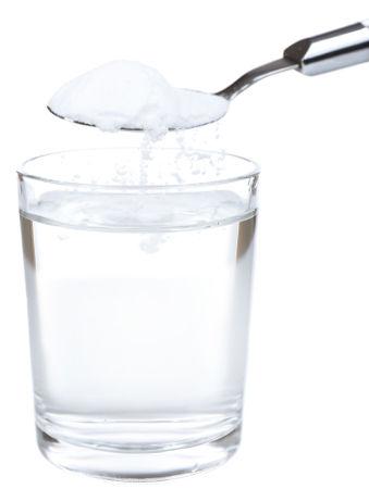 A solubilidade do sal em água depende da quantidade de solvente e da temperatura