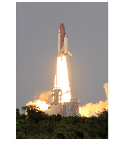 Lançamento de ônibus espacial em Cabo Canaveral por meio de energia fornecida por uma reação rápida entre hidrogênio e oxigênio líquidos*
