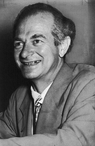Linus Pauling foi o criador de um diagrama que facilitou a distribuição dos elétrons dos átomos nos níveis e subníveis eletrônicos