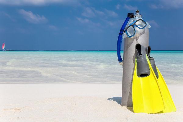 O gás oxigênio exerce pressão parcial na mistura contida no cilindro para mergulho