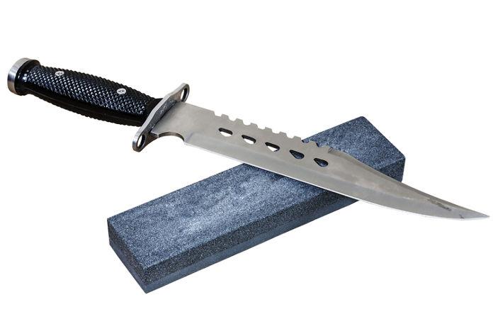 O metaneto de silício, utilizado para afiar facas e lâminas, é um exemplo de carbeto
