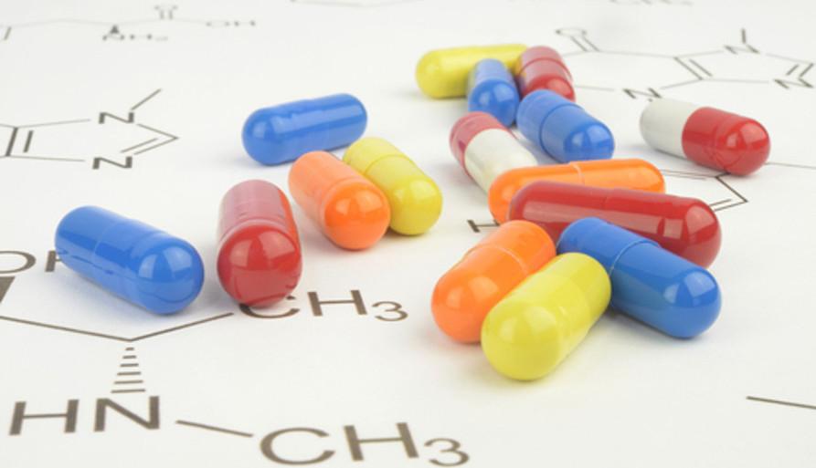 O nitrogênio é usado na indústria para fabricar diversos produtos sintéticos, como medicamentos