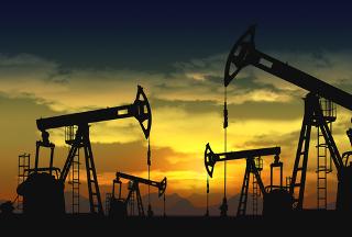 O petróleo de base naftênica é a principal fonte dos cicloalcanos
