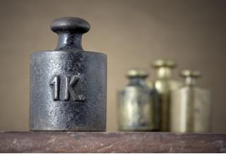 O quilograma (kg) é a unidade de medida de massa adotada internacionalmente