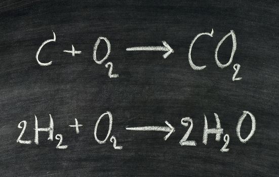 Os coeficientes de uma equação indicam o número de mol de cada participante