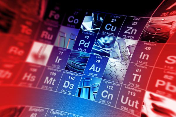 Os elementos de transição ficam no centro da Tabela Periódica, tais como o ferro (Fe), o cobre (Cu), o zinco (Zn) e o ouro (Au)