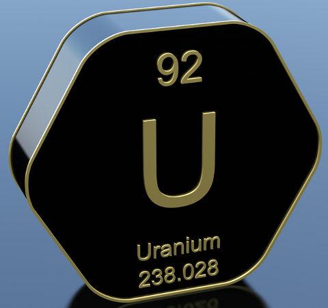 Todo elemento transurânico apresenta número atômico superior ao do Urânio