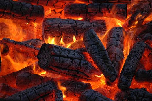 Uma combustão é um exemplo de reação orgânica de oxidação